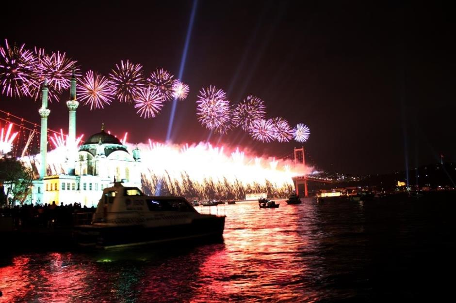 New Year Party on istanbul Bosphorus